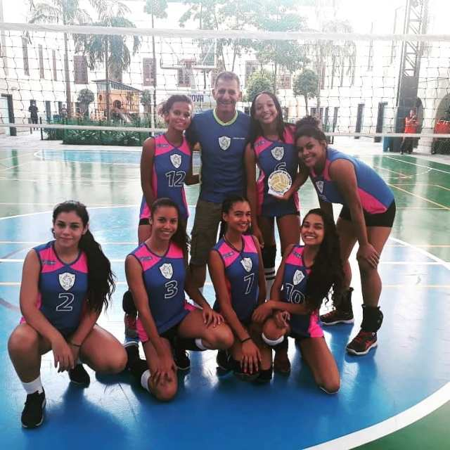 equipe feminina de voleibol cepmm