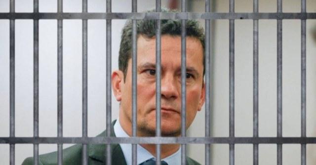 moro na cadeia